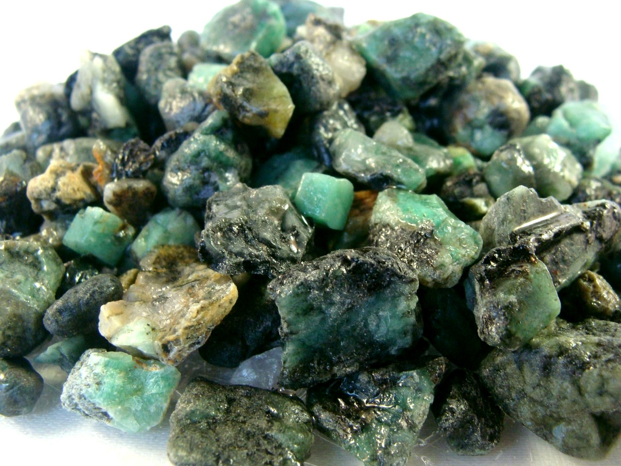 and color emerald grade auctions gemstone top cts zambian