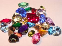 faceted gemstone lot
